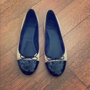 TORY BURCH FLATS BLACK BEIGE